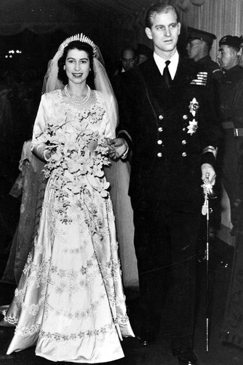 세기의 결혼식, 화제의 웨딩 드레스