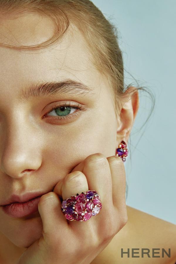 핑크 골드 소재에 루벨라이트, 애미시스트, 가닛, 오닉스, 다이아몬드를 세팅한 '피에르 그라베' 링과 이어링 까르띠에 CARTIER.