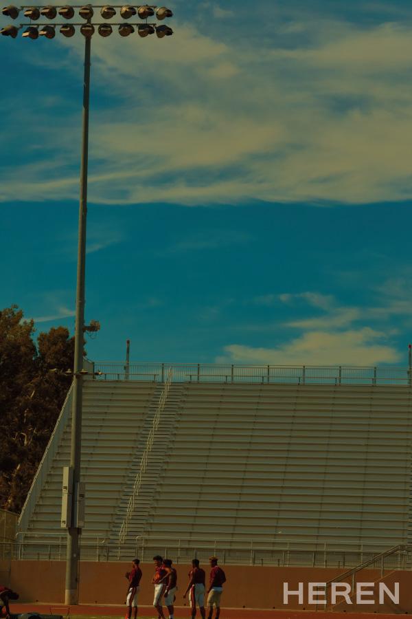 페어팍스 하이스쿨 풋볼팀 선수들은 9월부터 11월 사이에 열리는 경기 준비로 벌써부터 분주하다.